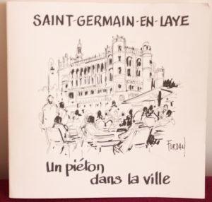 Saint-Germain-en-Laye un piéton dans la ville